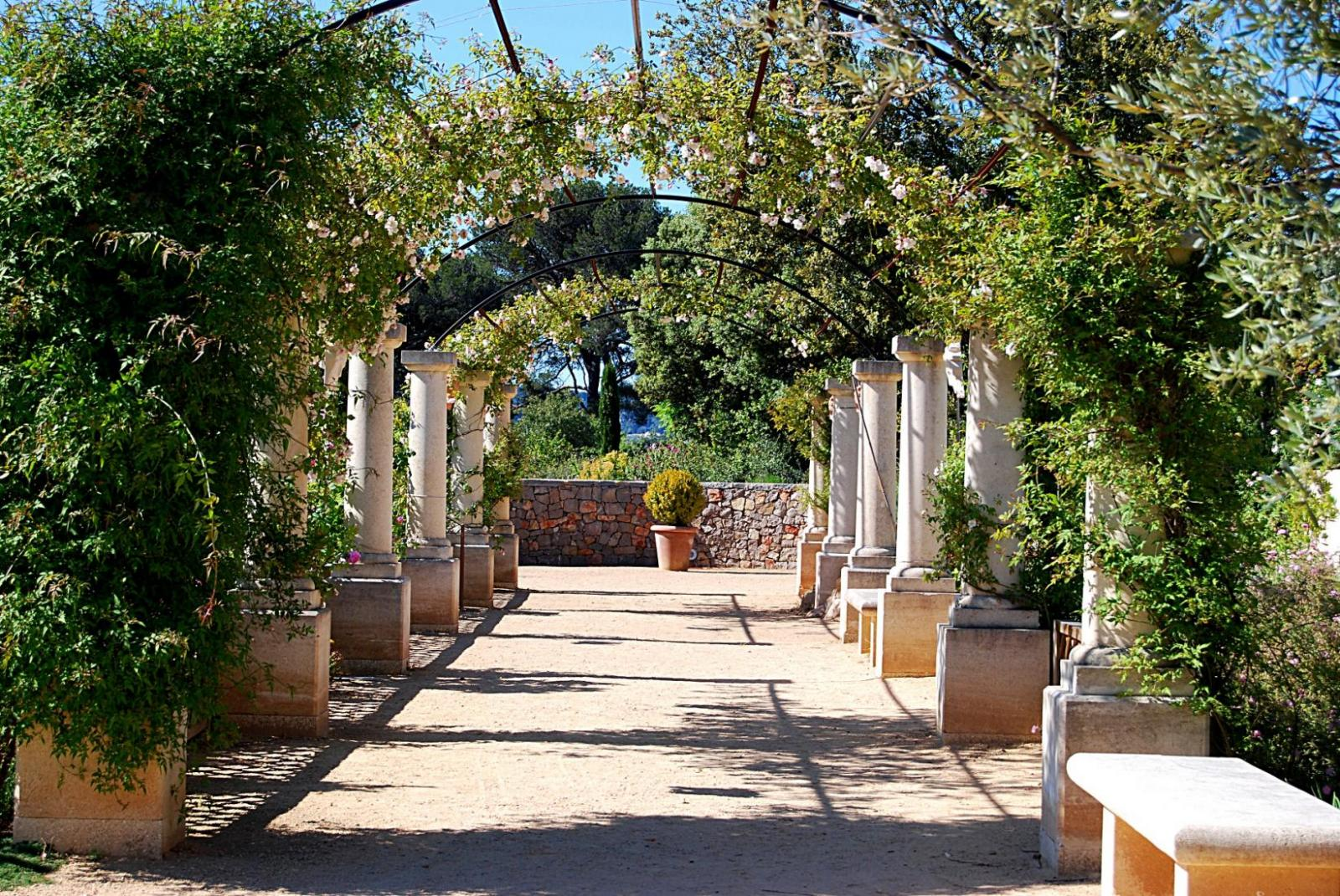 Jardin Antique Mediterraneen Fete De La Nature