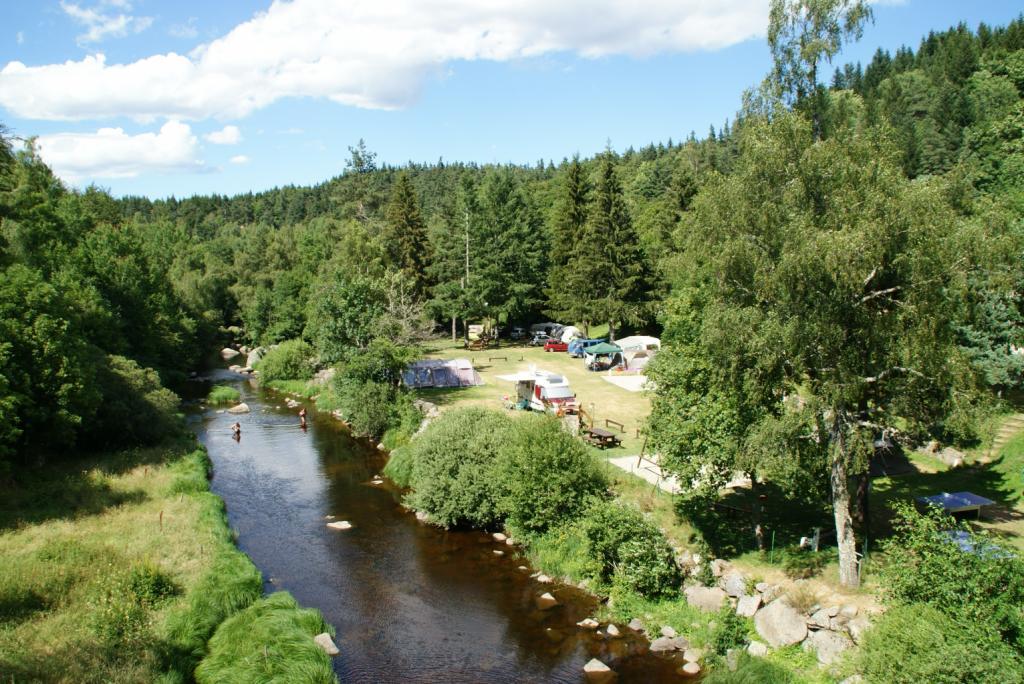 Rivière le Chapeauroux Camping du Pont de Braye